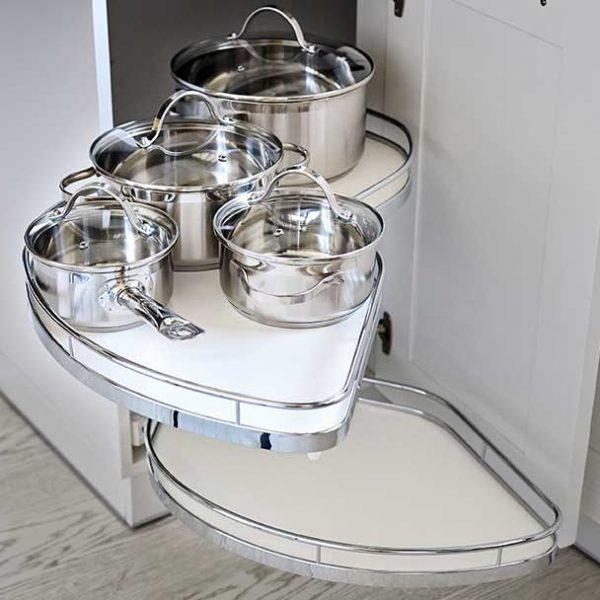 white-corner-storage-system-in-kitchen (1036899382)