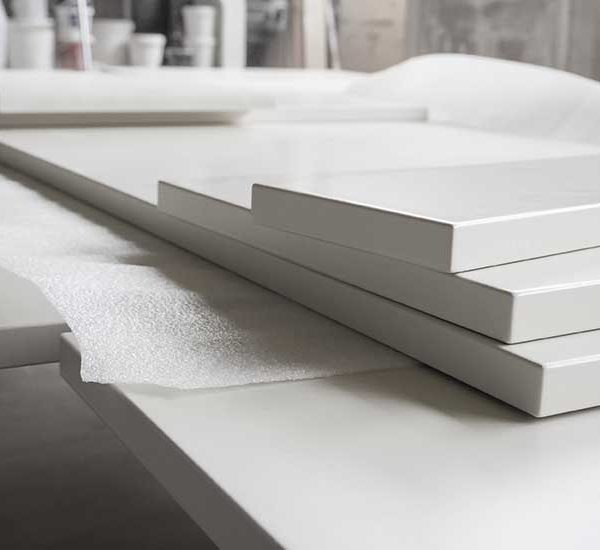gloss-kitchen-doors-getting-manufactured (688249921)